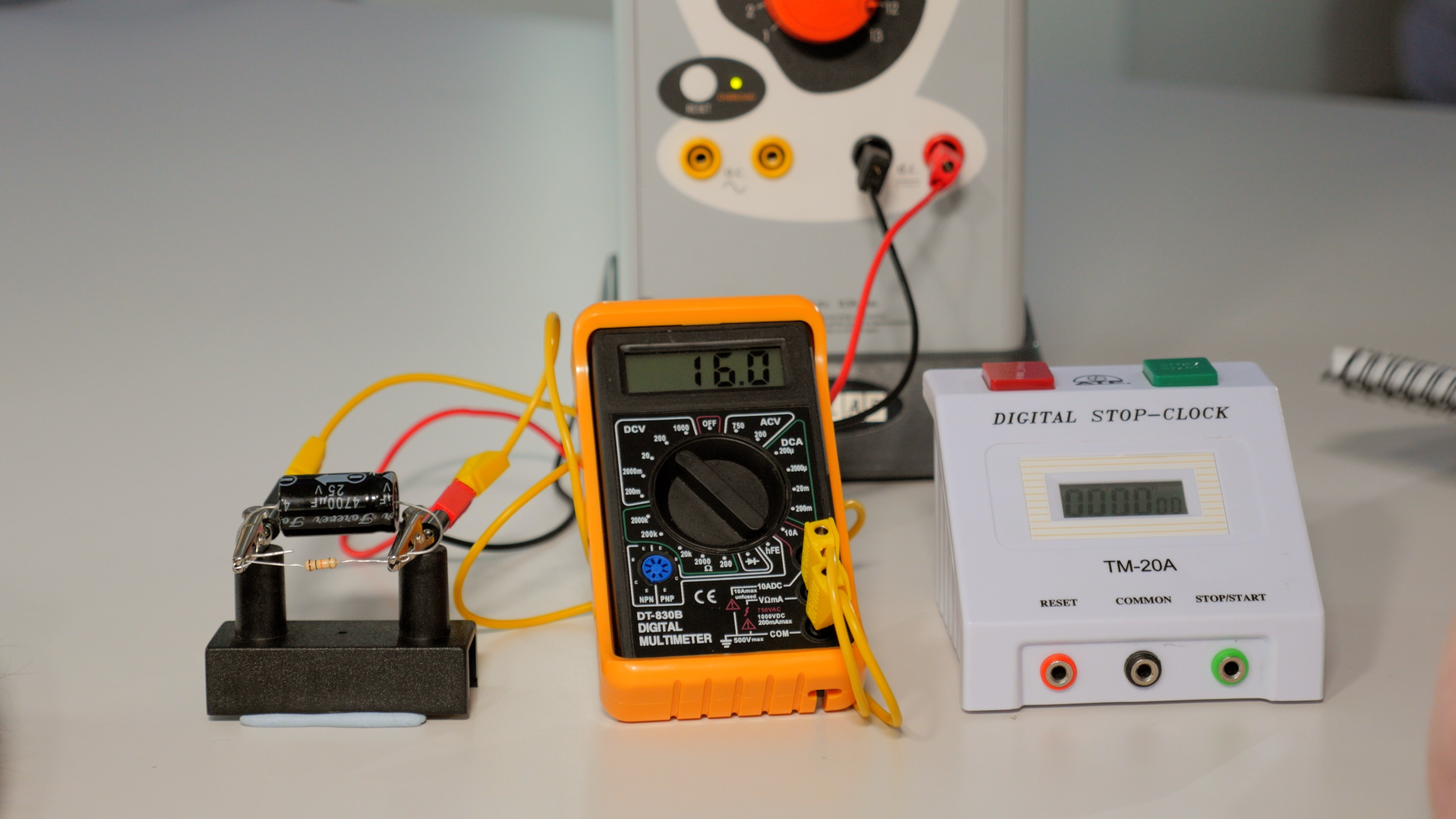 Discharging A Capacitor Nustem Electrical Wiring Lab Manual