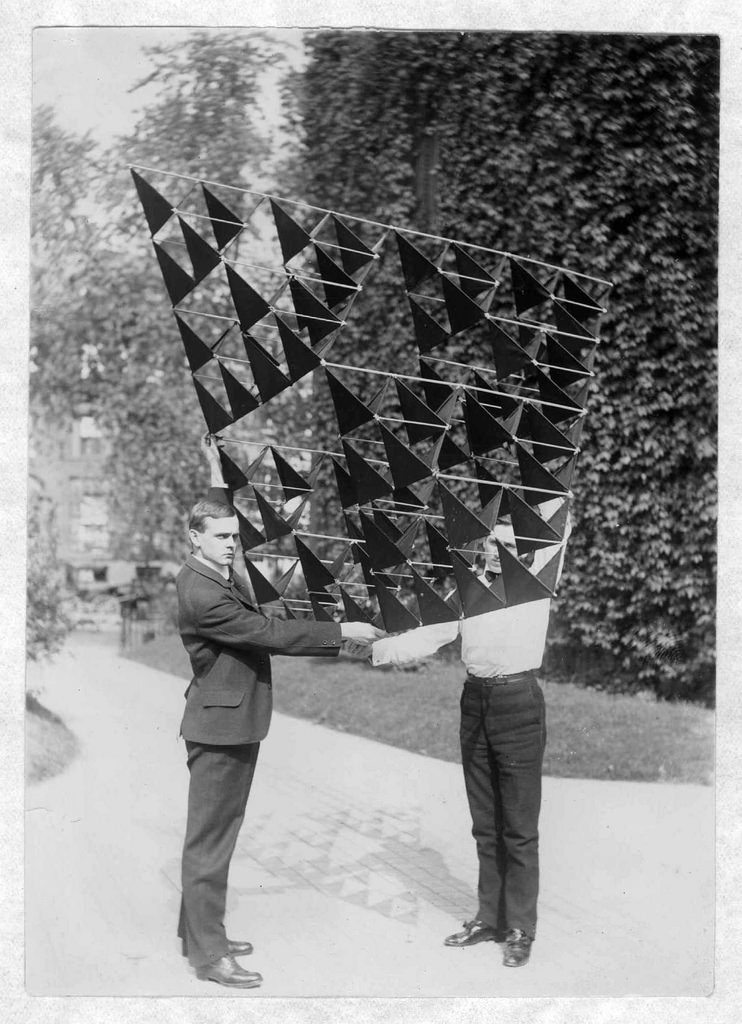 Alexander Graham-Bell's 64-cell tetrahedral kite.